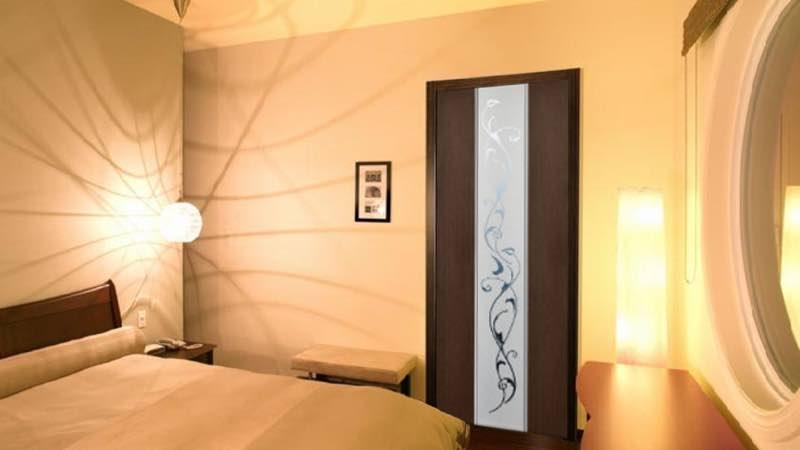 Межкомнатные двери с зеркалом
